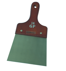 Spatula with wooden handle